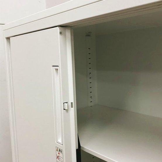 介護・福祉関連の事業所様からご要望の多い商品|鍵付き 引き戸3枚扉 コクヨ エディア                         エディア                                      中古