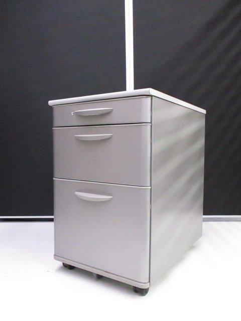 【ラス1特価!】簡易的な物置棚としてもご利用いただけます!