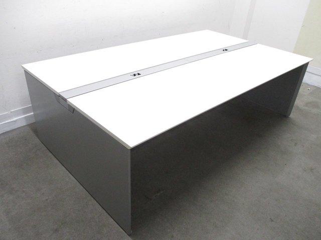 【倉庫在庫品】人気のホワイト天板!|固定席を作らず働きやすいオフィスに!4~6人用としてオススメ