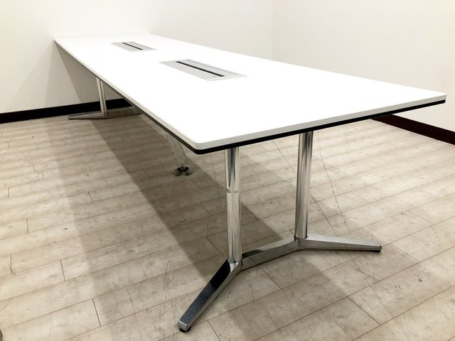 【人気の高級会議テーブル】デザイン性が高く高級感のあるテーブル入荷致しました!