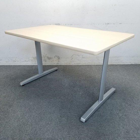 【8台入荷】コンパクトなテーブルで使いやすさ抜群!中古 テーブル 会議 面接