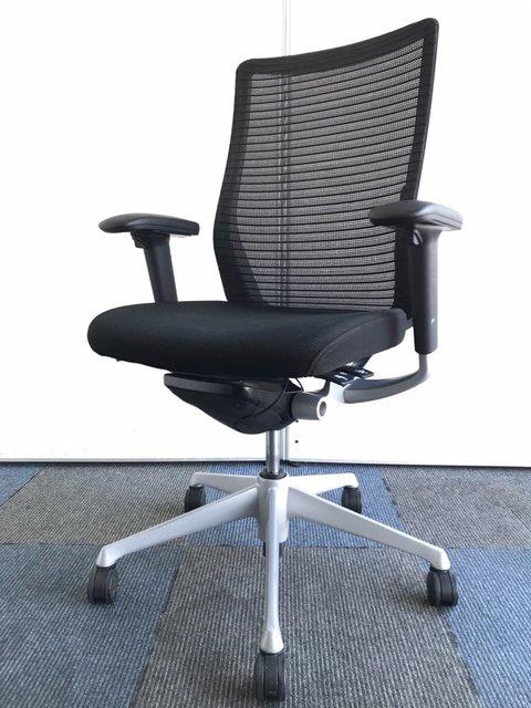 【充実の機能搭載】異硬度クッションで座り心地良好!