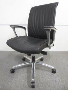 【上質な座り心地!】■オカムラ製 エグゼクティブチェア【ハイグレード】【高級革張り】