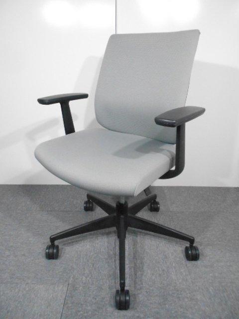 【10脚入荷】デュアルモーションメカニズムを搭載しワンランク上の理想の座り心地を実現
