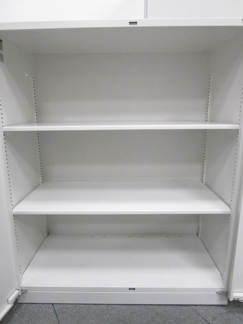 【鍵付】【書庫界の王道書庫が入荷!】腰までの高さで使いやすく、収納物も一目でわかります!                         シンライン                                      中古
