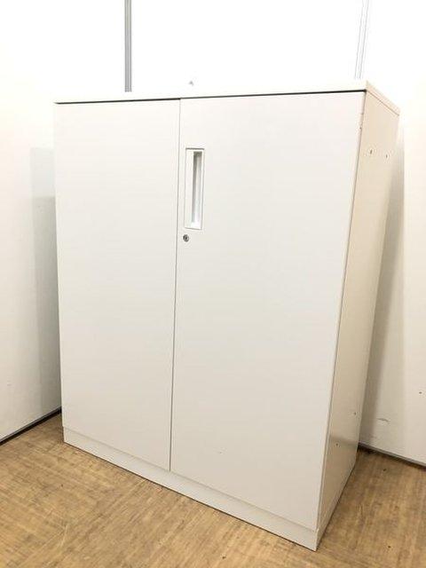 【掴みやすい取っ手位置で開閉らくらく】清潔感漂うホワイトカラーの両開き書庫【定番サイズ】