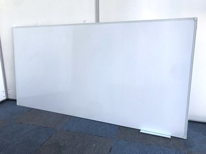 【限られたスペースでも】便利な壁掛けホワイトボード!