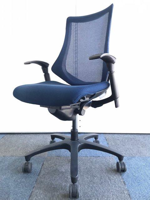 【フィット&フリーのとおり開放感のある快適な座り心地!】テレワークにもオススメ!