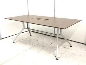 定価20万の人気テーブルが特価!脚のデザインがお洒落!配線カバー付き