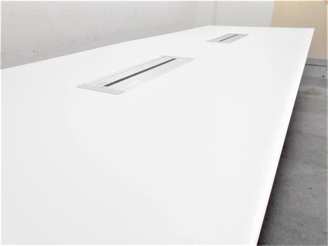 【上質な空間を演出!】■オカムラ製 会議用テーブルW4000mm 配線ボックス付 ホワイト【ハイグレード】                         ラティオⅡ                                      中古