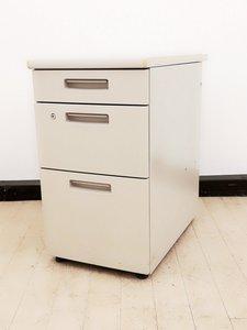 【ロット入荷】デスクの横に置いて自分のスペースを広げれる商品の入荷です!コクヨ/BS