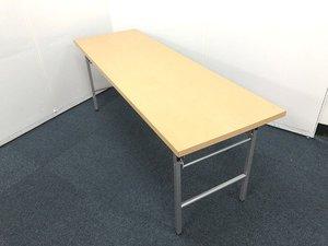 【ナチュラルカラーの折り畳みテーブルが入荷しました!!】