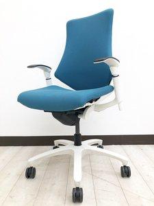 【ホワイトフレームがお洒落】自由な動きと疲れにくく快適な座り心地