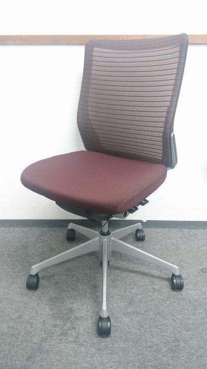 【在庫入替の為お安く!】| 【高級チェア】|事務椅子|シンプルなデザイン|充実の機能性|グッドデザイン賞受賞チェア!