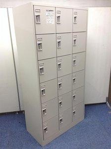 【鍵の持ち運びいらず!】■オカムラ製 18人用ロッカー ダイヤル錠【省スペースに設置!】