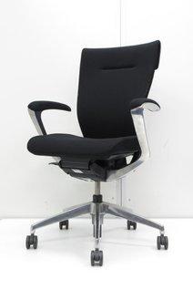 【限定1脚入荷!】スタイリッシュなブラックの高級チェア[coser](中古)