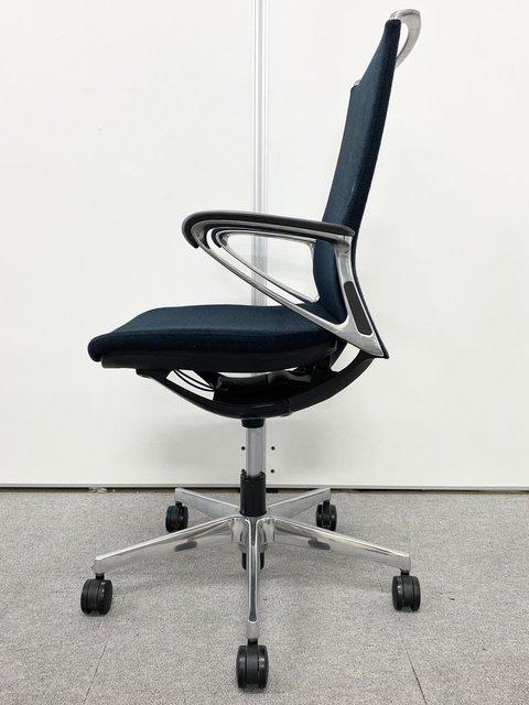 【2016年製】デザイン性と機能性を両立!オカムラ/モード/ブラック                         モード(アルミ脚)                                      中古