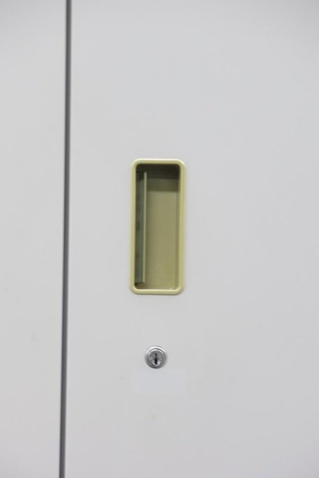 【鍵付】書類やファイルの整理におすすめ!オフィスの必需品! イトーキ/シンライン/ニューグレー                         シンライン                                      中古
