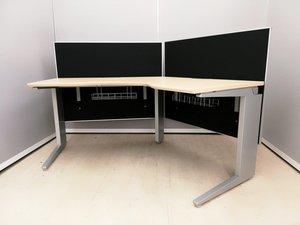 【超レア品大量入荷!】 お洒落オフィスに!ブラックパネル付きブーメランデスク! ◆オカムラ製プロユニット
