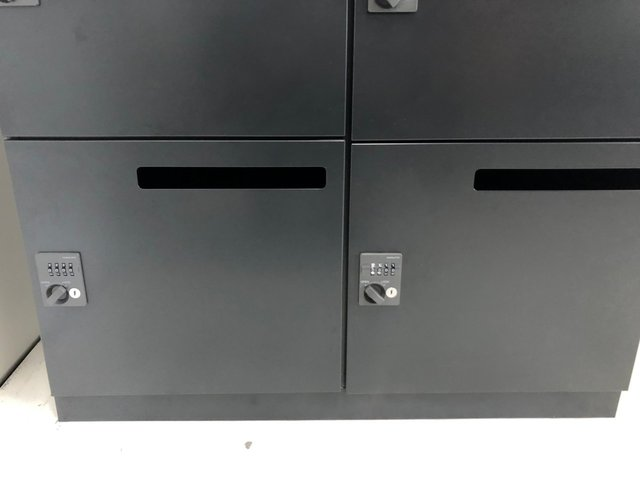 【最新トレンド】ブラックのパーソナルロッカーが入荷!【希少】【J6】【6】★                         エディア                                      中古