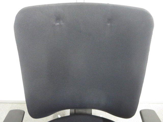 【見た目を気にしなければお買い得!】■コクヨ製 ベルガーチェア 肘付 ブラック【おつとめ品】【J】                         ベルガー                                      中古