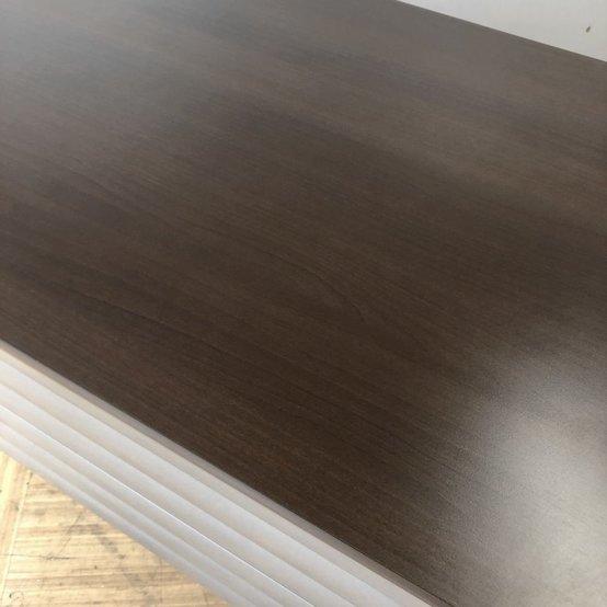 【幅広タイプでゆったり使えるW2100㎜】【濃いめの木目天板で大人なカラー】                         PRAXIS                                      中古