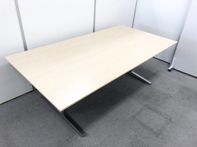 4名から6名様にピッタリ!オカムラ製の高級テーブル入荷いたしました!オカムラ/ライトプレーン                         EX-200 テーブル                                      中古