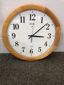 木枠のシンプルな壁がけ時計入荷しました。