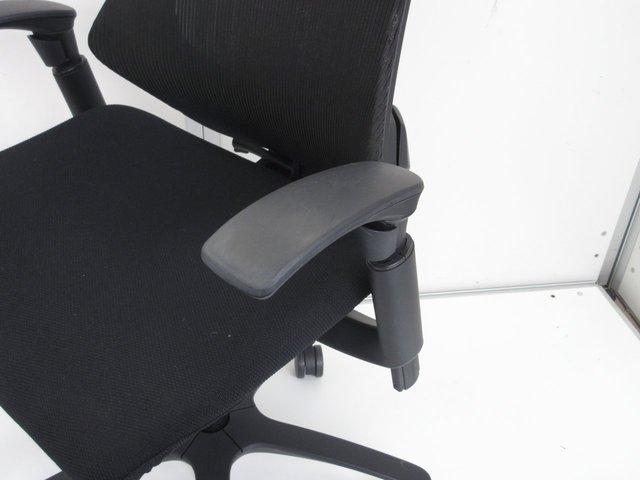 【腰にぴったりフィット】開放感のある快適な座り心地がオススメ!                         エフ                                      中古