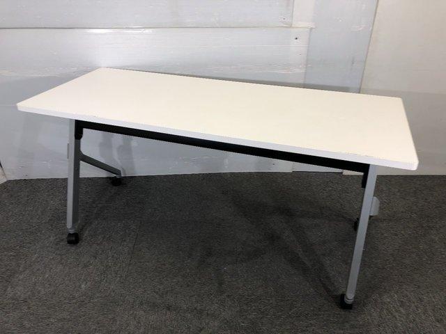 オカムラ スタックテーブル 4台入荷!! 会議・セミナー用にぴったりのテーブルです。                                                              中古