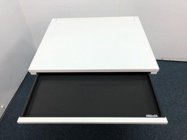 【コンパクトサイズの横幅800mmのデスクの入荷です!!】■おつとめ品                         アドバンス                                      中古