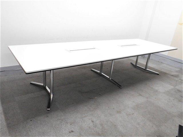 【8名様での会議用に】オカムラ製の大人気テーブルラティオⅡ入荷しました! ■ホワイト天板■ホワイト配線カバー