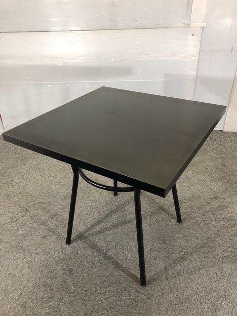 ブラックのサロン調角テーブル入荷しました。                         その他シリーズ                                     中古