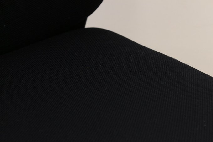 【6脚入荷】美しさを際立たせるシンプルなデザイン。目の負担を抑えるロッキング機能付き!                         トルテ                                      中古