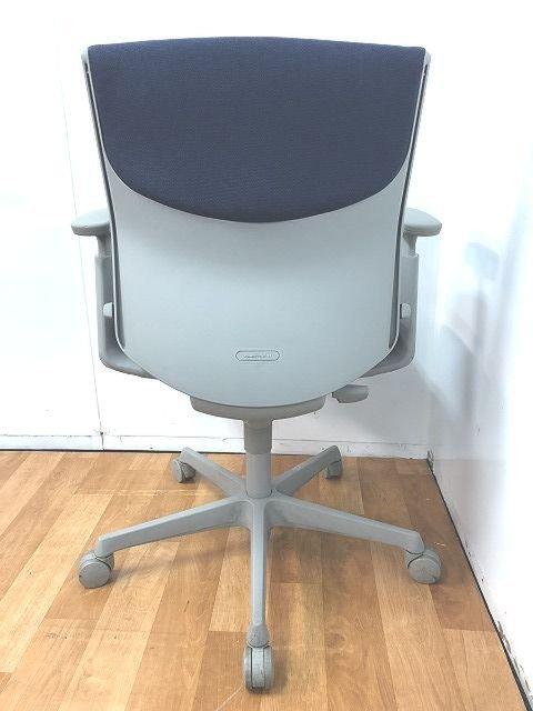 【シンプルで飽きないデザインで快適な座り心地】在宅ワークの疲れを軽減                         エスクード(クッション)                                      中古