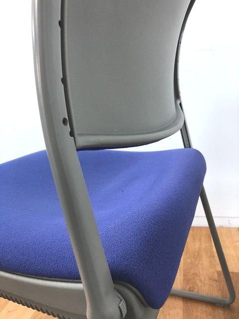 【快適な座り心地のミーティングチェアの入荷です!!】■おつとめ品                         ピレッティコレクション                                      中古