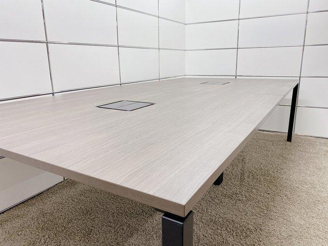 【オフィストレンドカラー!】4~6名様が座れるサイズ感のオシャレなテーブル!■コクヨ■ワークフィット■アッシュブラウン                         ワークフィット                                      中古