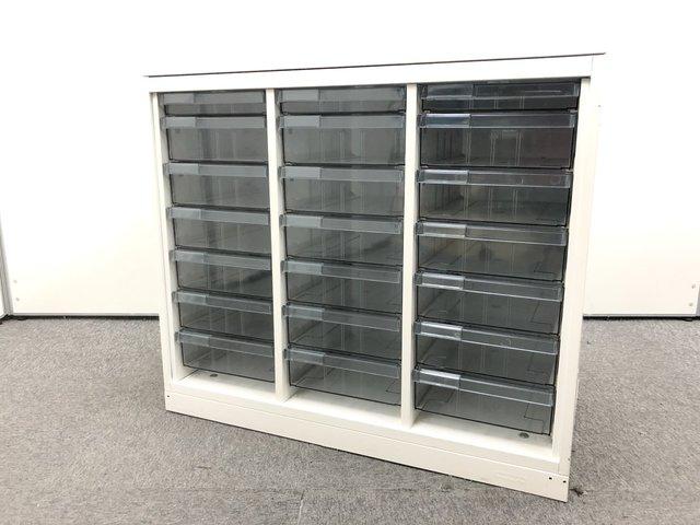 希少商品|ホワイト3列クリスタルトレイ|浅1深6|天板付き|窓下などにお勧めサイズ                         レクトライン                                      中古