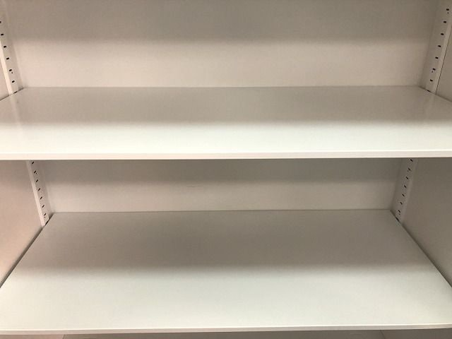 【取っ手が広く使いやすい人気両開き書庫の入荷です!!】■ホワイト                         エディア                                      中古