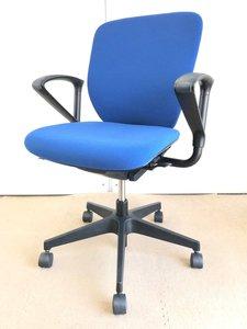 【オフィスで使いやすい】ランバーサポート付き【快適な座り心地】イトーキ/プラオ