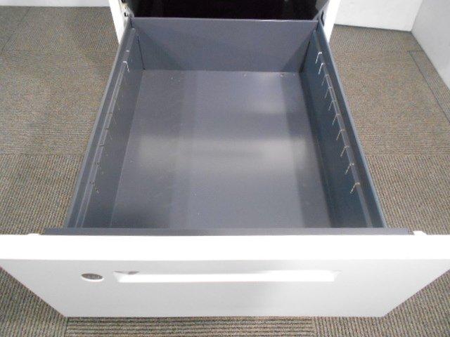 コクヨ製 IS 3段ワゴン H700のデスク下収納可能 書類収納 ロット ホワイト色 レア 入替や新規購入におすすめ                         アイエス                                      中古
