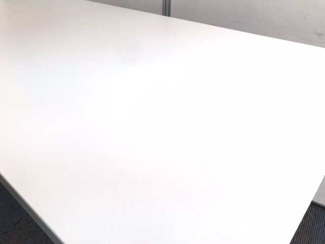 【2~4名様用】 コンパクトサイズのミーティングテーブル                          JUTO                                     中古