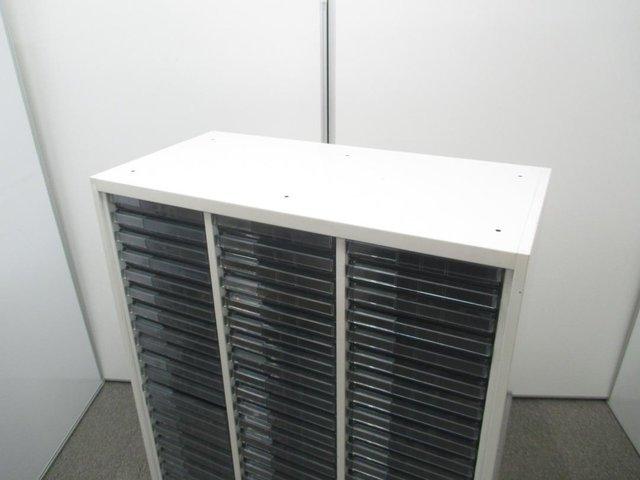 オカムラ製 クリスタルトレイ 3列21段 収納箇所多数 おすすめ 書類整理に最適 レア ホワイト色 珍しい 限定1台 入替 新規購入におすすめ                         レクトライン                                      中古