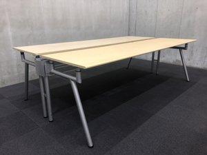 700mm、720mm、740mmの3段階に天板の高さを調整できる優れもの!!会議用テーブルとしてのご使用にもおすすめ!! θ