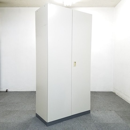 【1台入荷】女性でも背の届く人気の商品です!中古 キャビネット 書庫 オフィス 両開き コクヨ                         ビジネスウォールNタイプ                                      中古