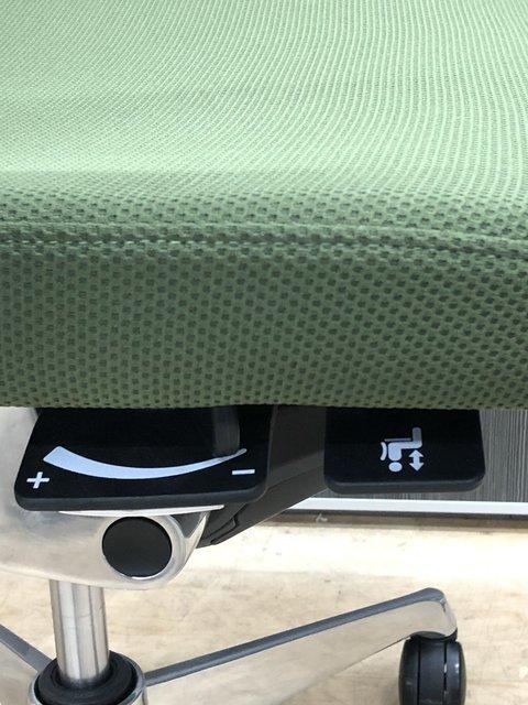 【残り1脚】上品な雰囲気のメッシュチェア!!オフィスワークをサポートします【中古】【オフィス家具】【東京】【大阪】【愛知】【岐阜】                         コーラルメッシュ                                      中古