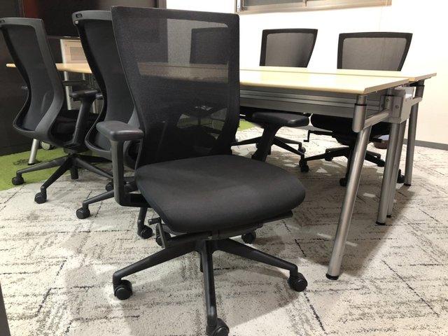 【4~6名様使用推奨/W2400mm】最新のオフィススタイルをリユース品で実現【大型テーブル】【チェアセット】                         ACCESS                                      中古