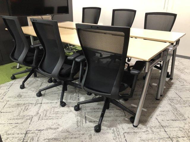【4~6名様使用推奨/W2400mm】最新のオフィススタイルをリユース品で実現【フリーアドレスデスク】【大型テーブル】【おしゃれ】【チェアセット】                         ACCESS                                      中古
