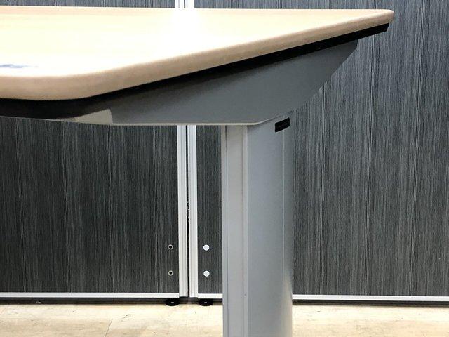固定脚タイプの会議机|オカムラ製リフティオ【倉庫在庫】                         リフティオ                                      中古