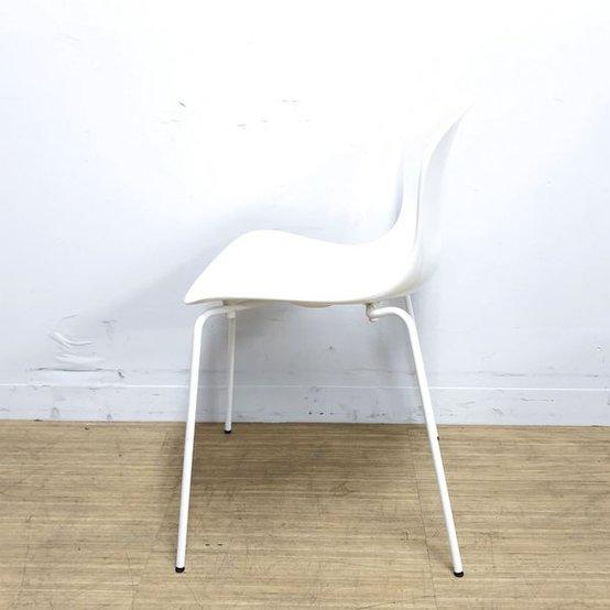 【曲線的なフォルムが印象的】人間の体になじむよう設計 フリッツハンセン NAPチェア 【デザイナーズ家具】                         NAPチェア                                     中古